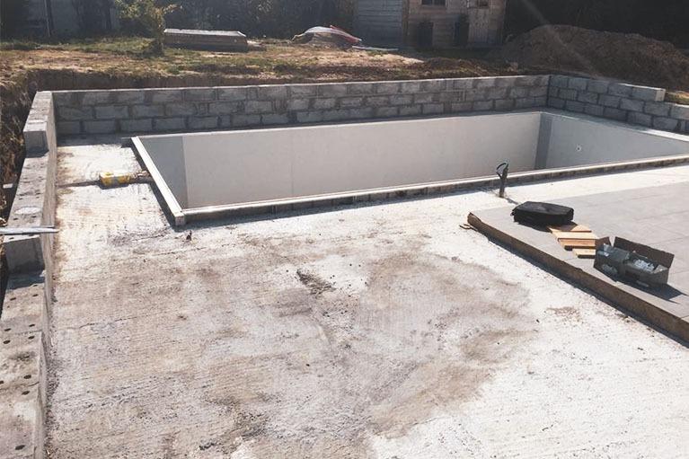 chantier-terrasse-piscine-lorient-avant
