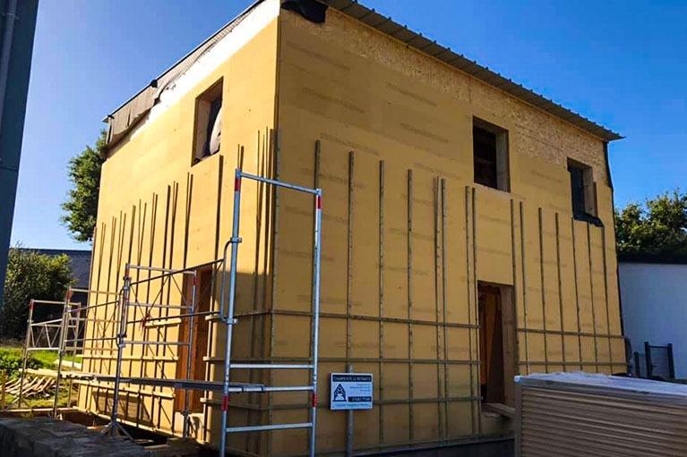 maison-bois-construction-charpente-apres-exterieur-finition