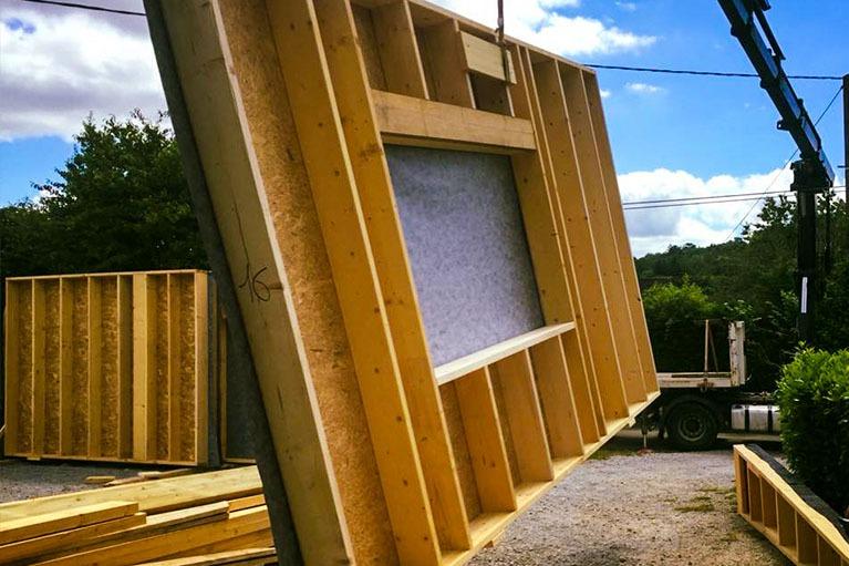 maison-bois-construction-charpente-avant